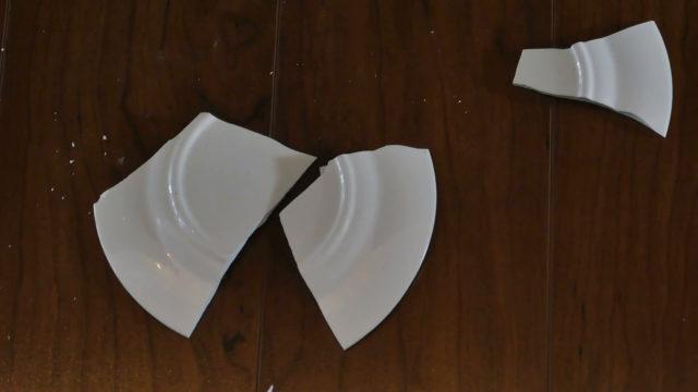 Приметы: к чему случайно разбить тарелку